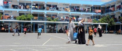 Forcibly displaced Palestinians in UNRWA shelter